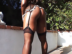 Black babe shakes her ass outside and then goes inside to get her big butt fucked hard