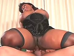 Hot ebony vixen sex